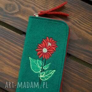 filcowe etui na telefon - kwiaty, smartfon, pokrowiec, futerał, roślinny motyw