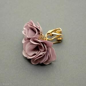ręcznie wykonane broszki klipsy z kwiatkami
