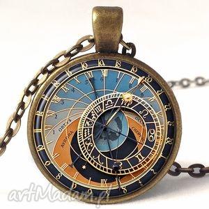 handmade naszyjniki zegar praski - medalion z łańcuszkiem