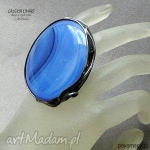 galeria limart szklany gigant na palcu owal ręcznie wytopiony metodą fusingu