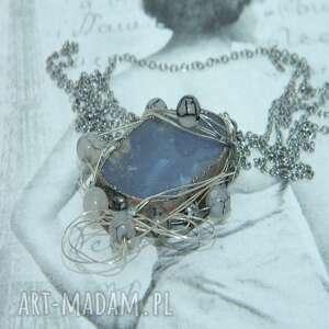 szary agat opleciony drutem-n102, wisior, metaloplastyka, unikatowa biżuteria