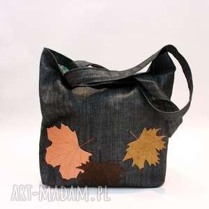 Na zakupy jesienna, liście, jeans,
