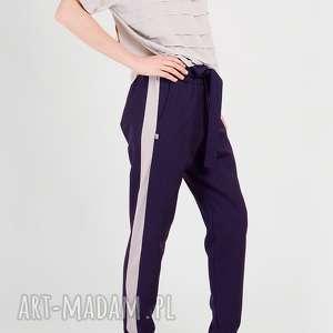 Wełniane spodnie z lampasami i wiązaniem non tess wełniane