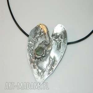 zielone serce, wisior, blaszka, unikatowa-biżuteria, unikatowe-serce