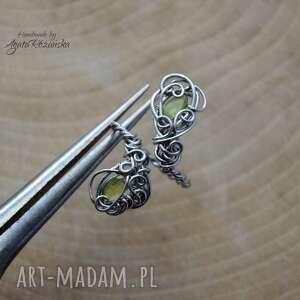 agata rozanska pierścionek regulowany, peridot, wire wrapping, stal chirurgiczna