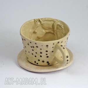 Prezent Ceramiczna filiżanka z koniem -kropki, zkoniem, filiżanka, kubek, dlakoniarza