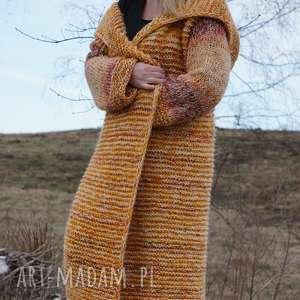 długi wełniany płaszcz jesienna alejka, płaszcz, sweter, jesień, kaptur