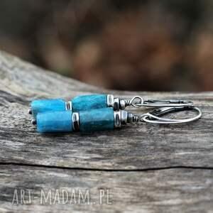 kolczyki z surowego apatytu, apatyt, surowe kamienie, surowa forma, biżuteria