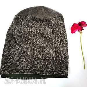 czapka szara melanz nierozciągliwa, obwód 58-59cm,kolory ziemi na podszewce box