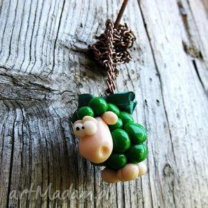 wyjątkowe prezenty, naszyjniki naszyjnik zielona owieczka, naszyjnik, modelina, masa