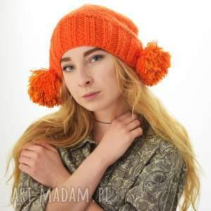 pomarańczowa czapka z pomponami - czapka, pompony, pompon, unikat, zabawna, prezent