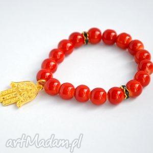 bracelet by sis hamsa w czerwonych koralach, hamsa, reka, korale, prezent