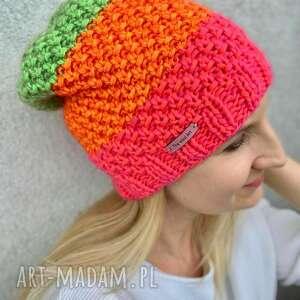 ręczne wykonanie czapki neonowa czapka