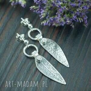 Kolczyki srebrne listki z brylantową cyrkonią pracownia bellart