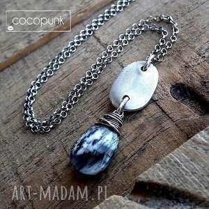 Opal dendrytowy i srebro- naszyjnik z pastylką. , opal, nowoczesny, modny, codzienny