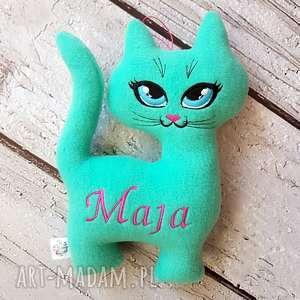 ręcznie wykonane zabawki miętowy kot z personalizacją maskotka imieniem dziecka
