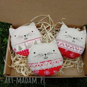 kocie bombki zapetlona nitka - świąteczne ozdoby, koty