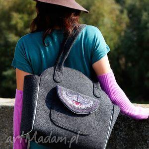 Tulip - duża torba kuferek z filcu haftem na ramię incat