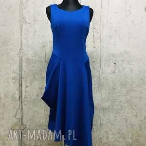 wieczorowa sukeinka w kolorze chabrowym, elegancka sukienka, chabrowa
