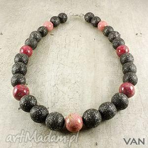 z maliną - korale, ceramika, różowy, czarny