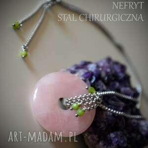 wisior z kwarcu różowego nefrytem - talizman, amulet, miłość, kwarc