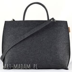 duża torebka filcowa - kuferek do ręki i długim pasku, pojemna torba
