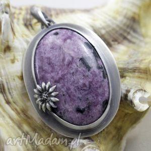 Czaroit z kwiatkiem - srebrny wisior , czaroit, srebro, wisiorek, oksydowany, kwiatek