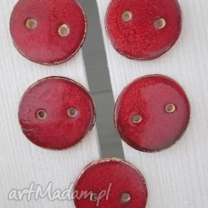 czerwone guziczki, guziki, ceramiczne, komplet, guzików