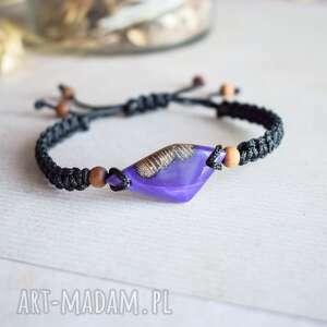 hand-made suvali - bransoletka z drewna i perłowo-fioletowej żywicy