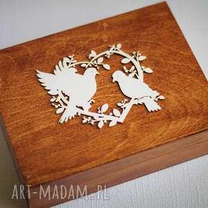 Drewniane pudełko na obrączki - serce z gołąbkami, drewno, pudełko, obrączki, ślub