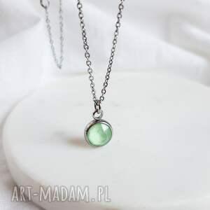 naszyjnik z zielonym kryształkiem, stal chirurgiczna, zielony