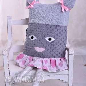 Prezent Poduszka dziecięca dziewczynka w spódniczce, dziewczynka-poduszka