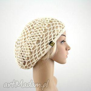ręcznie robione czapki kremowa ażurowa czapeczka - siatka na lato