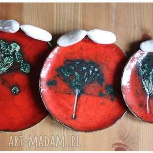 Komplet czerwonych talerzyków, ceramika, talerzyk