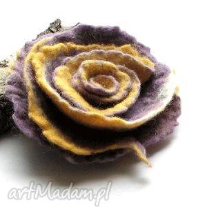 broszki broszka z filcu, broszka, filc, kwiat, prezent, święta, bożuteria