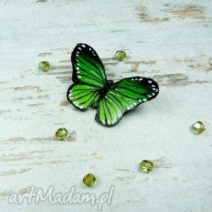 wiosnenna broszka motyl w odcieniach zieleni, greenery - motyl, wiosna, greenery, fimo