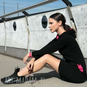 Sukienka z kapturem i kieszeniami, T249, czarny różowe dodatki, sukienka, dresowa