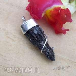 unikalny, surowy sopel kianitu, srebro925, metaloplastyka, surowa biżuteria