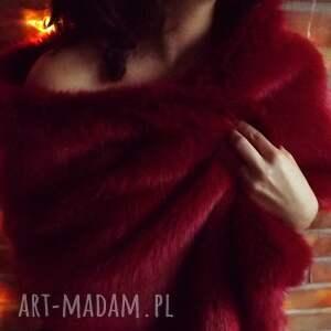 czerwony szal z futra - szal, futro, czerwone, etola, shawl, fur
