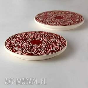 Prezent podstawki ornamentowe czerwone dwie, podstawka, talerzyk, ornament
