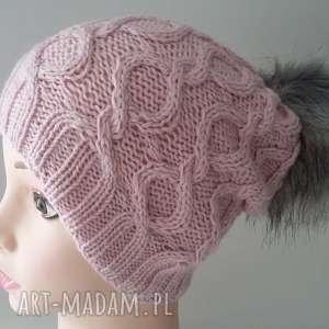 czapka fantazyjna z duŻym pomponem - czapka, warkocz, zima, czapa, kobieta, druty