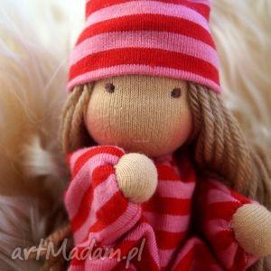 maleńka laleczka waldorfska, lalka, szmaciana, mojalala, dziewczynka