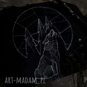 nerka xxl geometryczny wilk, czarna, z haftem, wilkiem