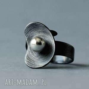 modernistyczny pierścionek regulowany organiczny, srebrny