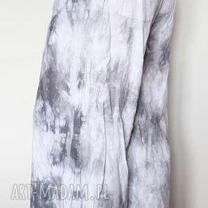 ręcznie robione spodnie spodnie z lnu utaplane po pachy za pomoca kiełbachy z1