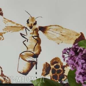 obrazy pszczółka z wiadrem miodu - obraz kawą malowany, coffeepainting, pszczoła