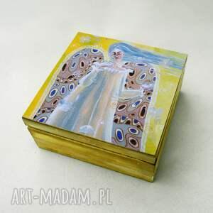 szkatułka każdy motyl lata swoim niebem, pudełko, dom, prezent, anioł