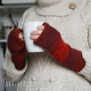 mitenki ombre w czerwieni, na drutach, prezent rękodzieło ciepłe, unikatowe