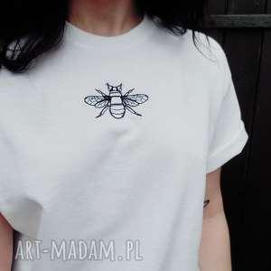 t-shirt z haftem pszczoły - Ręcznie zrobione