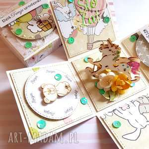 handmade scrapbooking kartki exploding box na roczek - konik biegunach